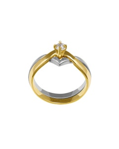 Anillo de Compromiso Solitario de Oro Blanco y Amarillo con Un Diamante de 15 Puntos